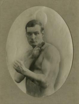 2-arthur-cravan-boxeur-%e2%80%a2-credits-galerie-1900-2000-paris